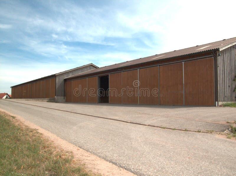 Grote landbouwmachinezaal stock foto