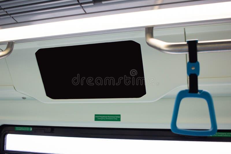 Grote Lege Reclamevlek op treinbus stock foto's