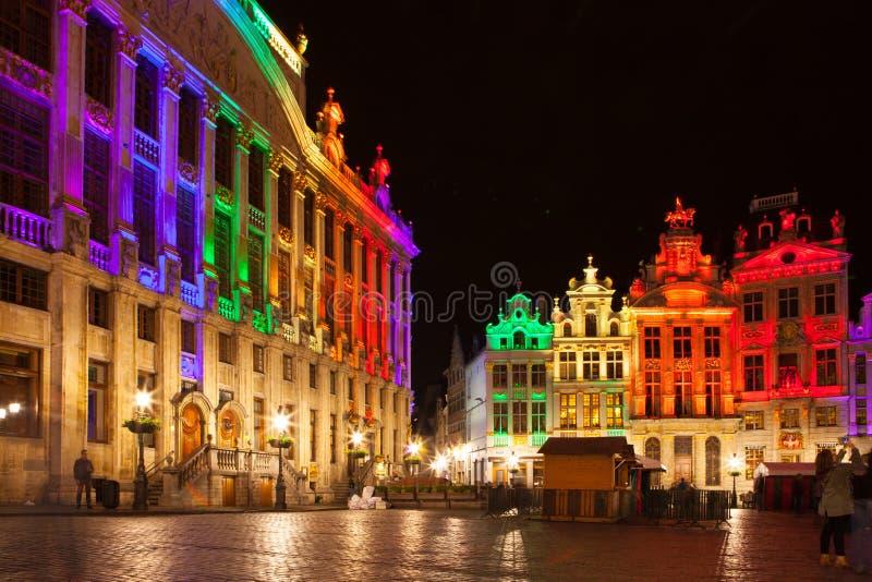 Grote Markt - den huvudsakliga fyrkanten och stadshuset av Bryssel arkivfoton