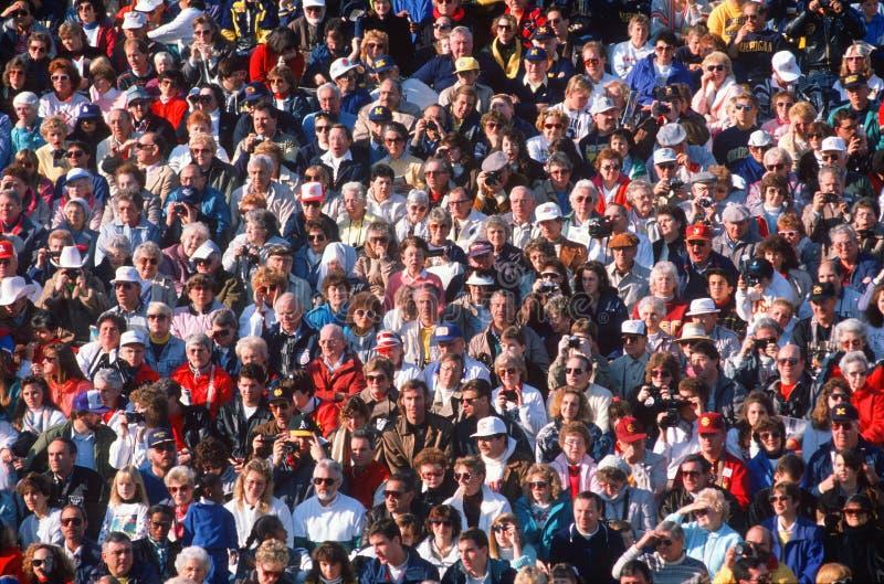 Grote menigte van mensen bij gebeurtenis royalty-vrije stock fotografie