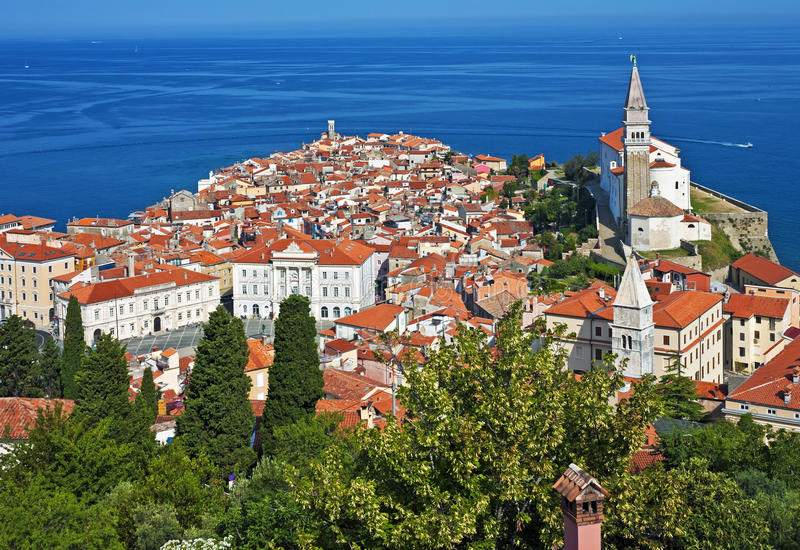Grote mening van Piran, Slovenië royalty-vrije stock afbeelding