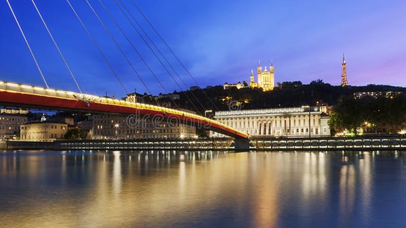 Grote mening van Saone-rivier bij zonsondergang in de stad van Lyon stock afbeelding