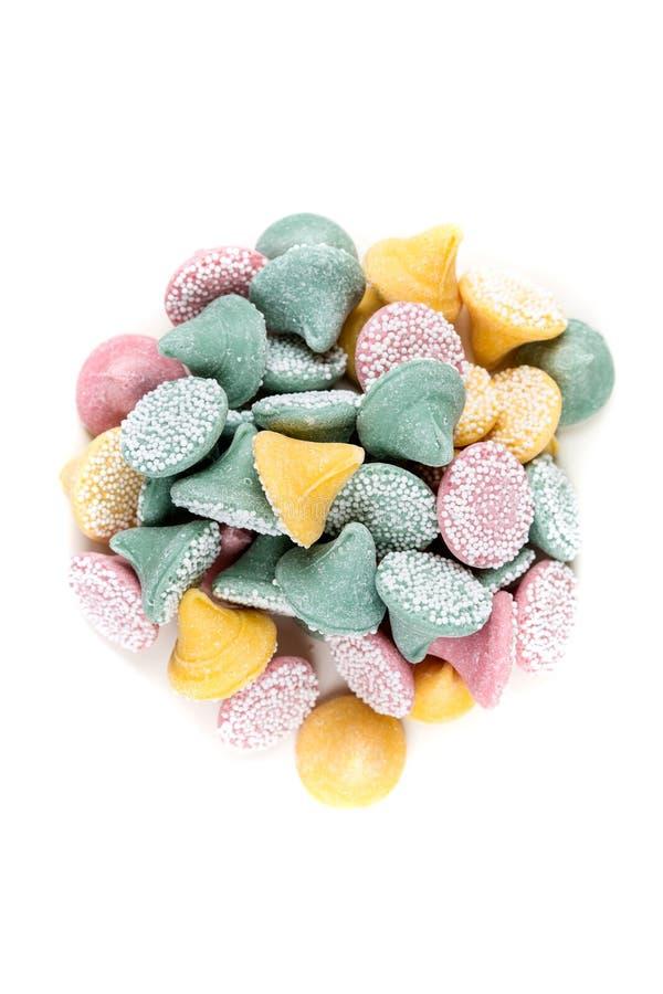 Grote multicolored dalingen met suikerbal met een laag bedekt suikergoed royalty-vrije stock fotografie