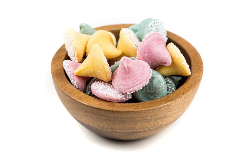 Grote multicolored dalingen met suikerbal met een laag bedekt suikergoed royalty-vrije stock foto's