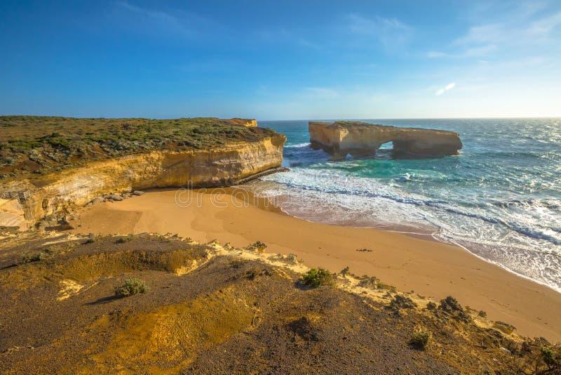Grote Oceaanweg: De Brug Australië van Londen stock foto