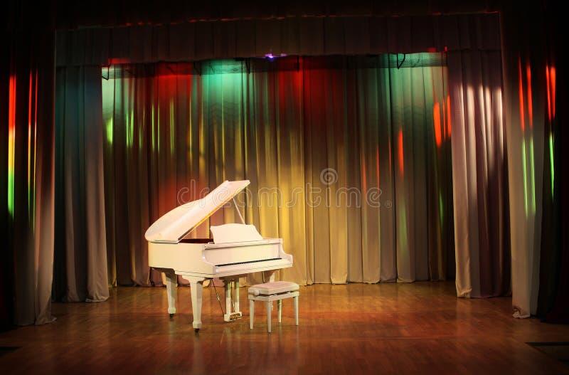 Grote piano. stock foto