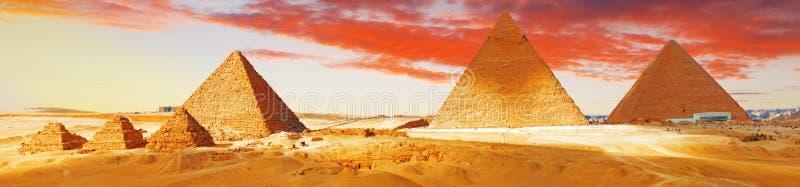 Grote Piramide    gevestigd in Giza royalty-vrije stock foto