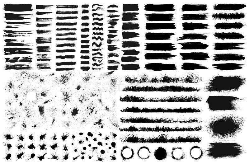 Grote reeks hand getrokken die grunge elementen op witte achtergrond worden geïsoleerd Zwarte inktgrenzen, kwaststreken, vlekken, royalty-vrije illustratie