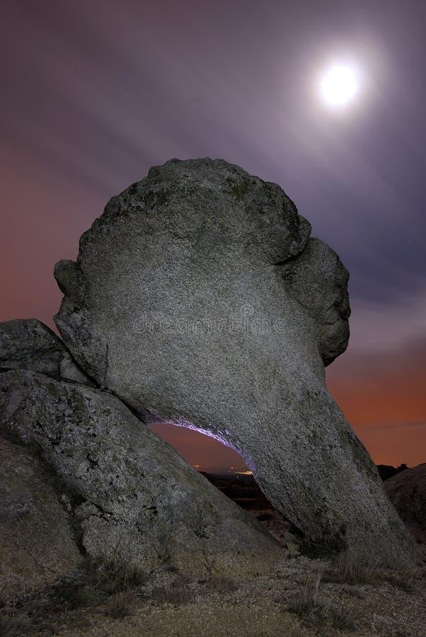 Grote rots op een gebied van Bustarviejo royalty-vrije stock fotografie
