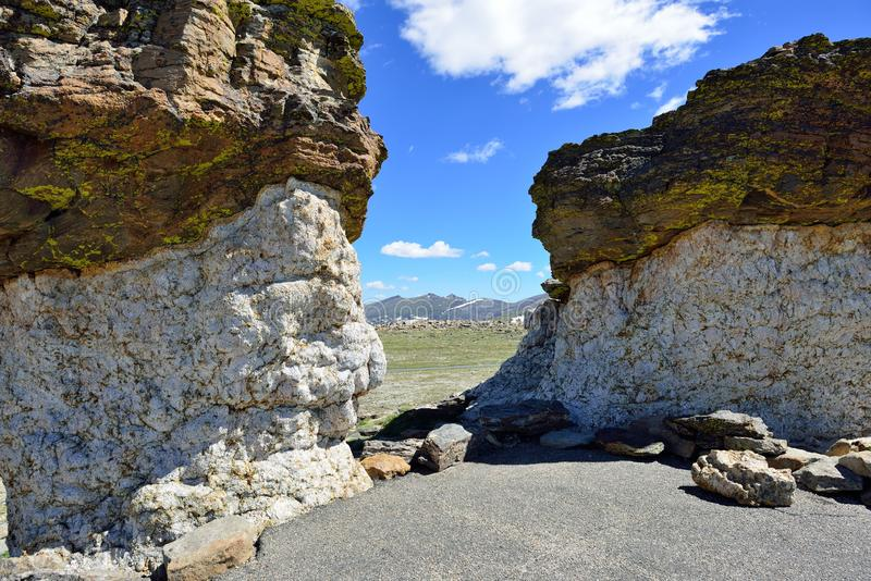 Grote rotsen in hoog alpien landschap van het rotsachtige bergen nationale park, Colorado royalty-vrije stock afbeelding