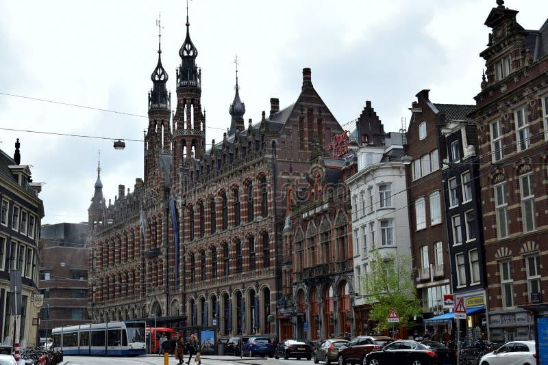 Grote shoppingcentre ` Magna Plaza ` bij citycentre Amsterdam royalty-vrije stock afbeeldingen