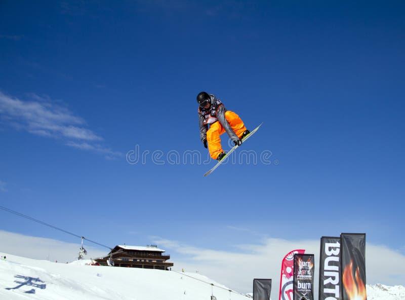 Grote snowboardsprong stock foto
