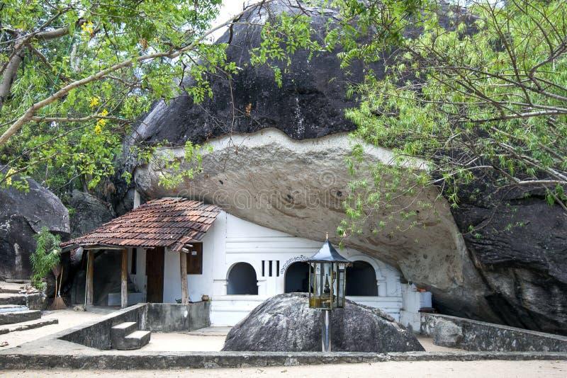 Grote Sudar Shana Cave in Madya Mandalaya dichtbij Panama op de oostkust van Sri Lanka stock foto