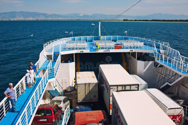 Download Grote veerboot redactionele foto. Afbeelding bestaande uit water - 39112781