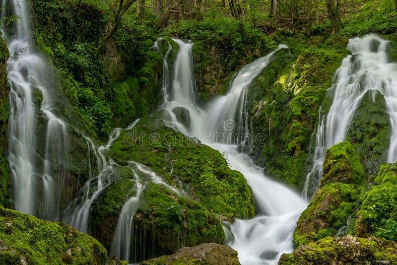 Grote Waterval Susec in Ilirska Bistriac royalty-vrije stock foto