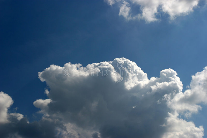 Grote wolk stock afbeelding