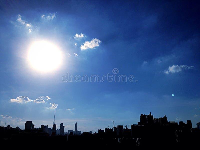Grote zon stock fotografie