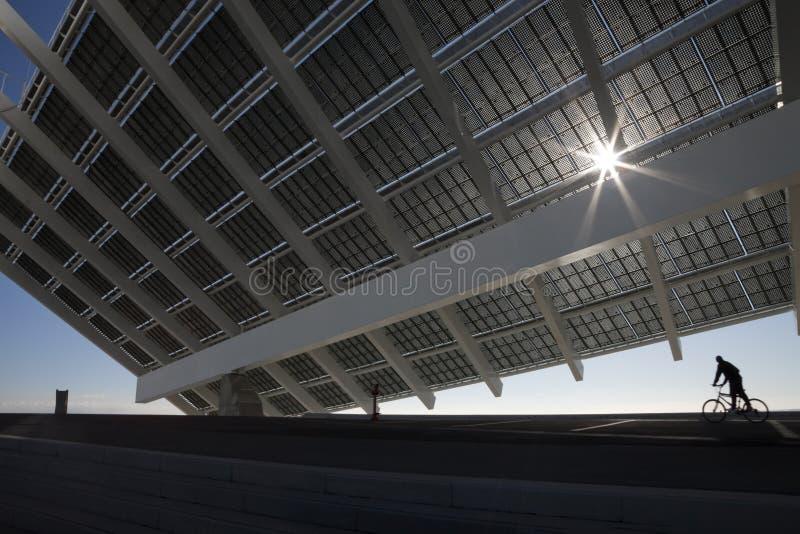 Grote zonnepanelen royalty-vrije stock foto