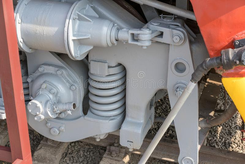 Grotere details op de oude stoomlocomotief Zware ijzerdelen Locomotief voor een deel Close-up stock foto