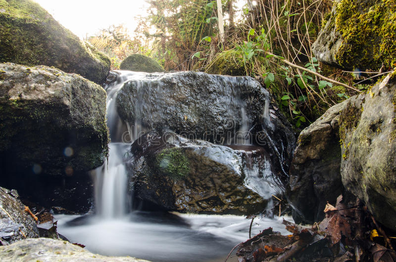 Grotere waterval stock foto