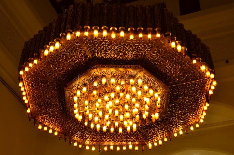 Grotesk metalllampa egypt Ljus och metall royaltyfria bilder