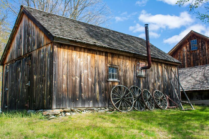 Barn at  Williams barn looking beautiful on an early spring day under bright blue skies royalty free stock photography
