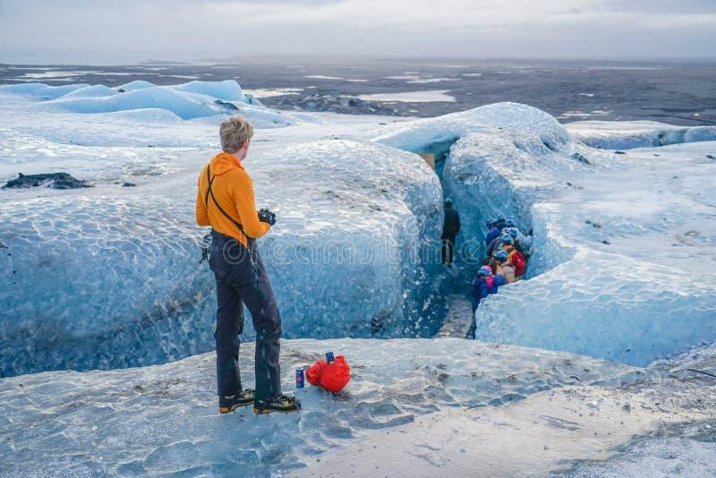 Grotta av Island is Vatnajokull royaltyfria bilder