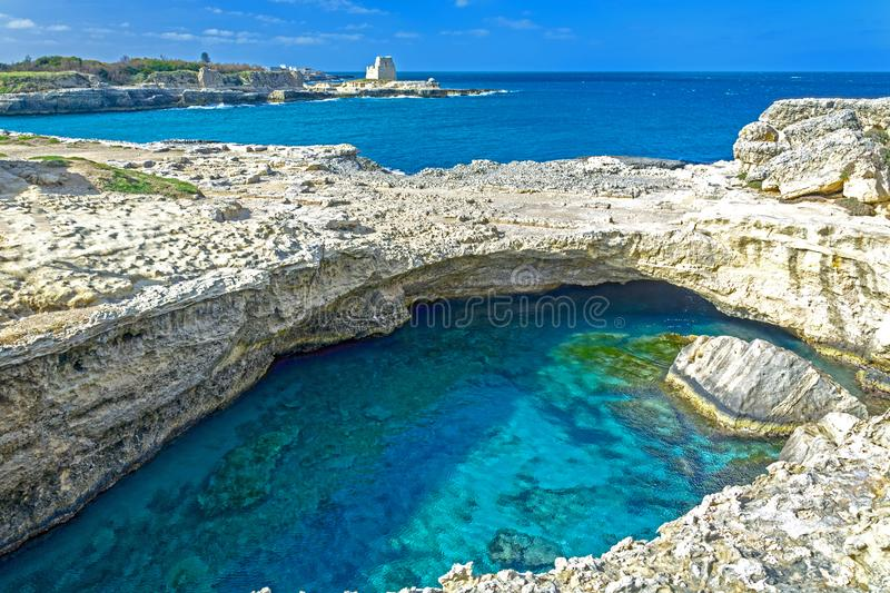 Grotta della Poesia, landskap av Lecce, Italien fotografering för bildbyråer