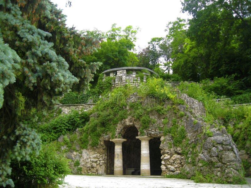 Grotta di Dianas Parco del fiore Punti di riferimento di Pjatigorsk il Norther fotografia stock libera da diritti