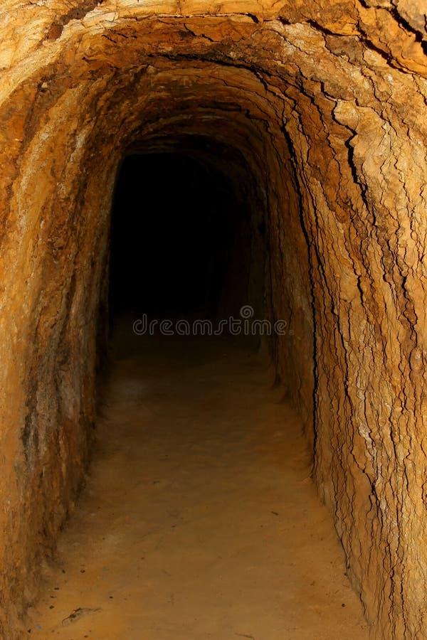 grotta inom sikt royaltyfri foto
