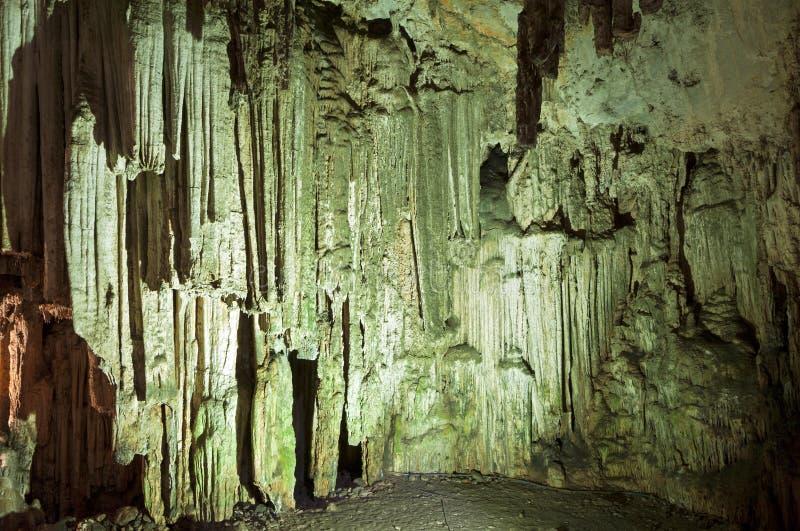 Grotta på den Crete ön i Grekland royaltyfri foto