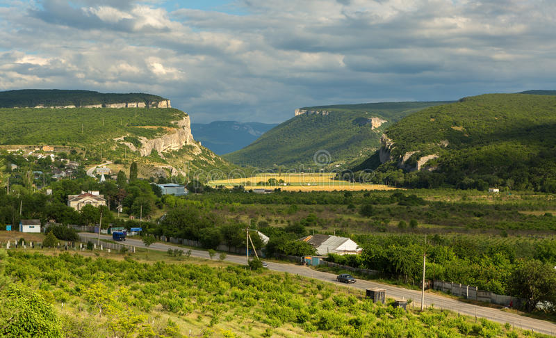Grottastad i Bakhchysarai Raion, Krim royaltyfria foton