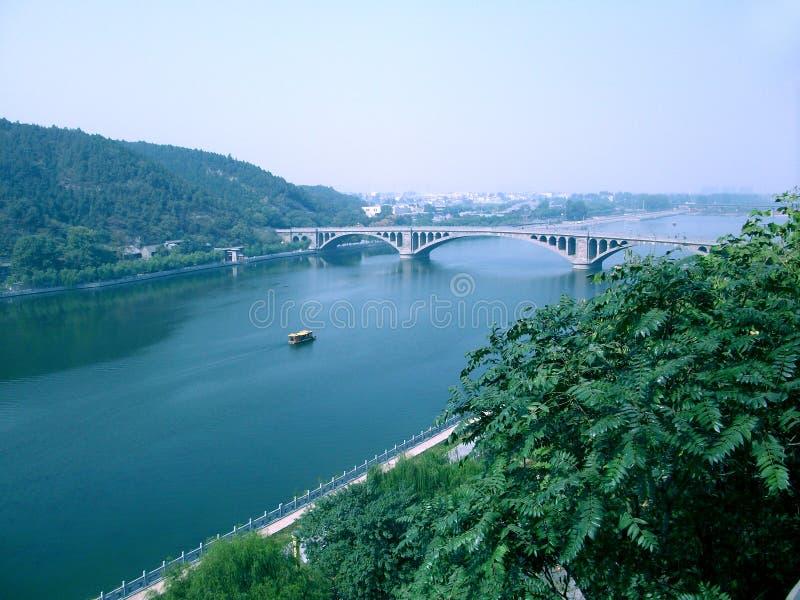 Grotte di Longmen a Luoyang immagini stock libere da diritti