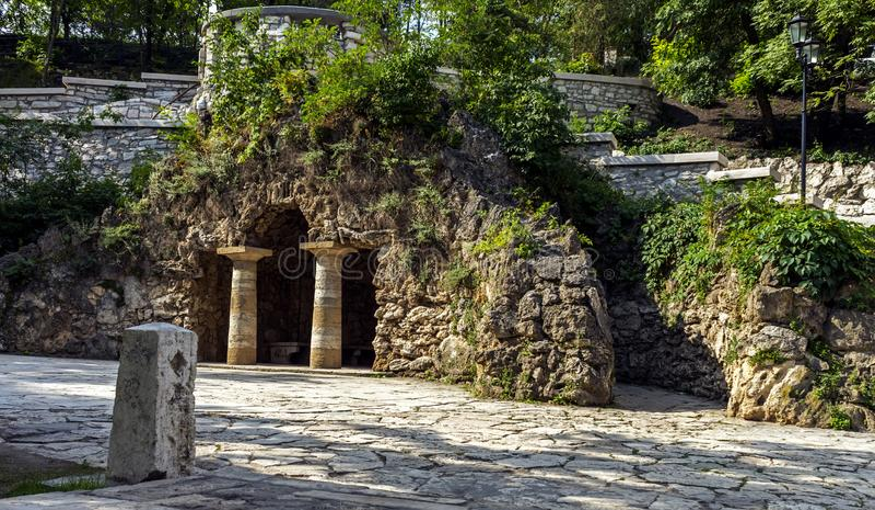 Grotte von Diana im Erholungsort Pyatigorsk stockfoto