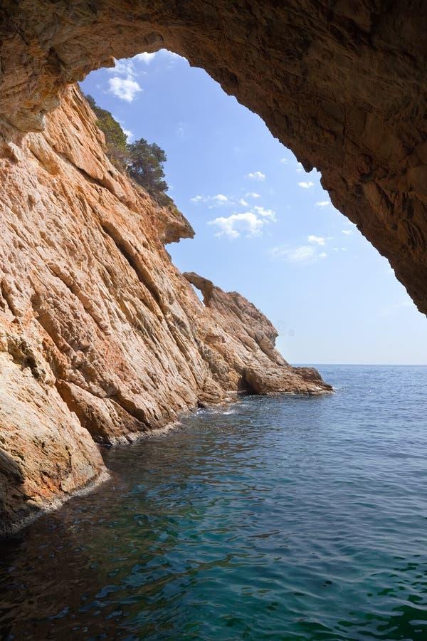 grotto скалы внутрь стоковая фотография rf