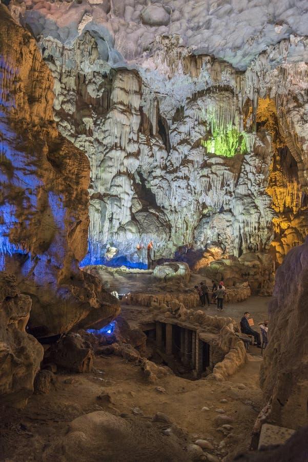 Grotto Cung Thien στοκ φωτογραφία με δικαίωμα ελεύθερης χρήσης