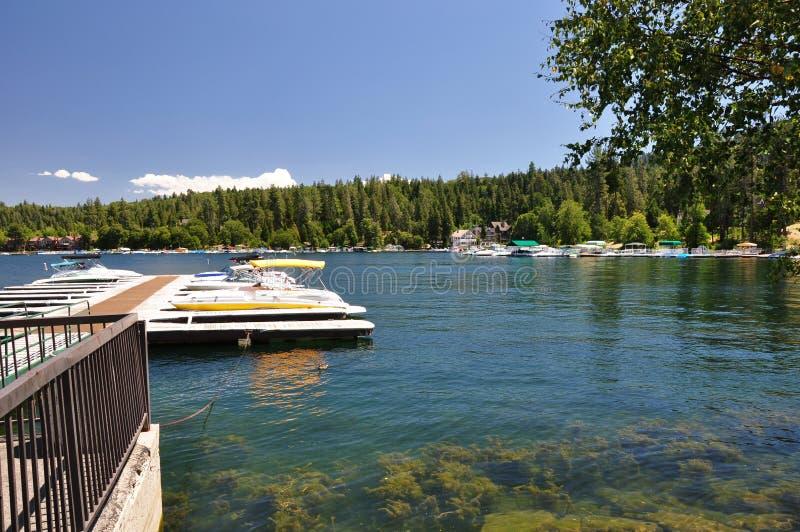 grotu łódkowaty doku jezioro zdjęcie stock