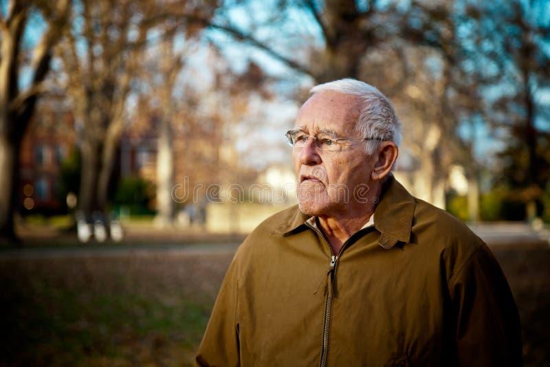 Grouchy starsza osoba mężczyzna zdjęcie royalty free