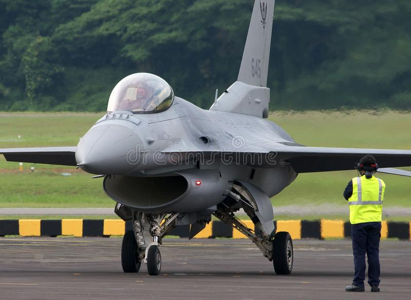 Download Ground Crew Observing F16 Engine Power Up Editorial Stock Image - Image: 19732044