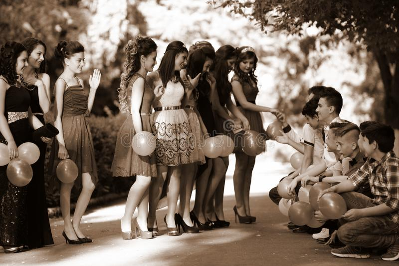 Group Of Teenagers Free Public Domain Cc0 Image