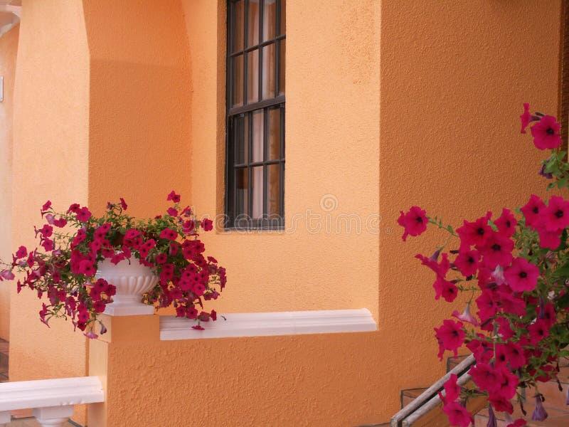 Groupe à la maison des Bermudes photographie stock