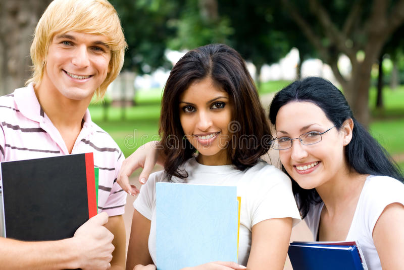 Groupe d'étudiants image stock