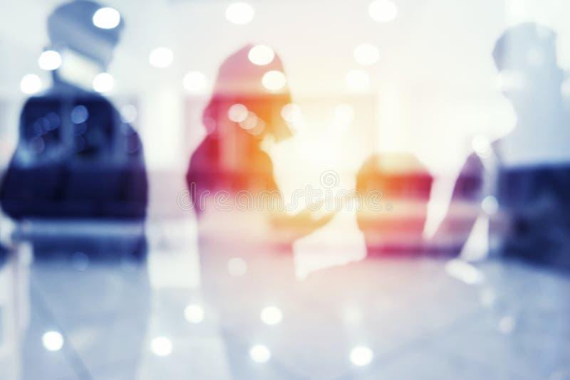 Groupe d'associé recherchant l'avenir Concept d'entreprise et de démarrage photographie stock