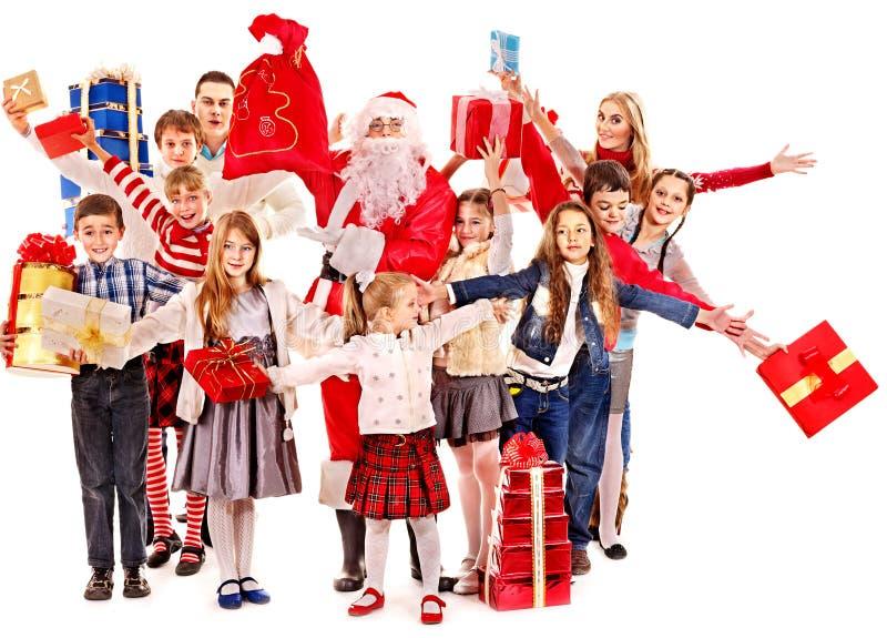 Groupe d'enfants avec Santa Claus. images stock