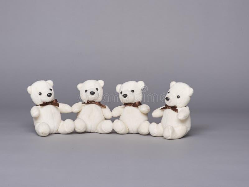 Groupe d'ours de nounours de quatre photo libre de droits