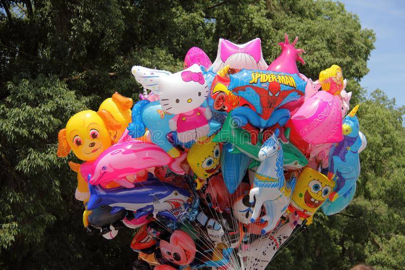 Groupe de baloons colorés images libres de droits