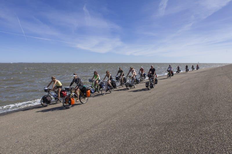 Groupe de cyclistes photo stock