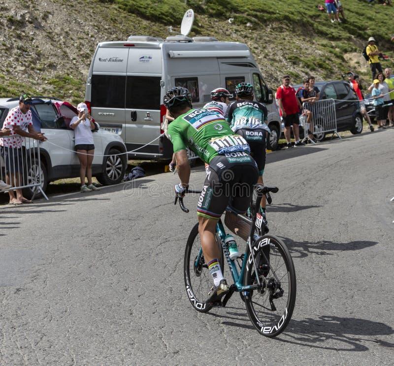 Groupe de cyclistes sur Col du Tourmalet - Tour de France 2018 photos libres de droits