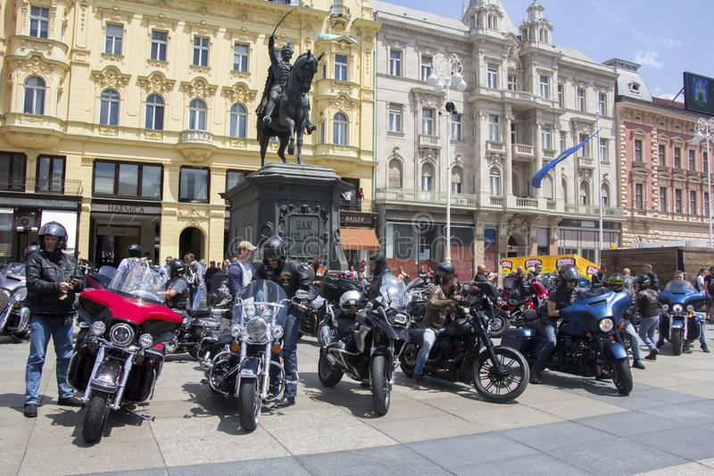 Groupe de fans de Harley Davidson de moto à Zagreb photos libres de droits
