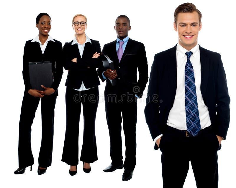 Groupe de gens d'affaires de sourire image stock